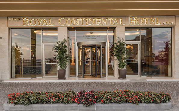 The hotel Royal Group by Naples seafront.
