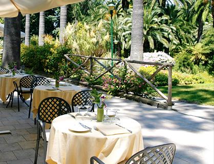 The ancient botanical park of La Residenza