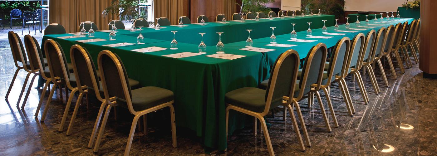 Il centro meeting a Sorrento immerso nel verde parco botanico.