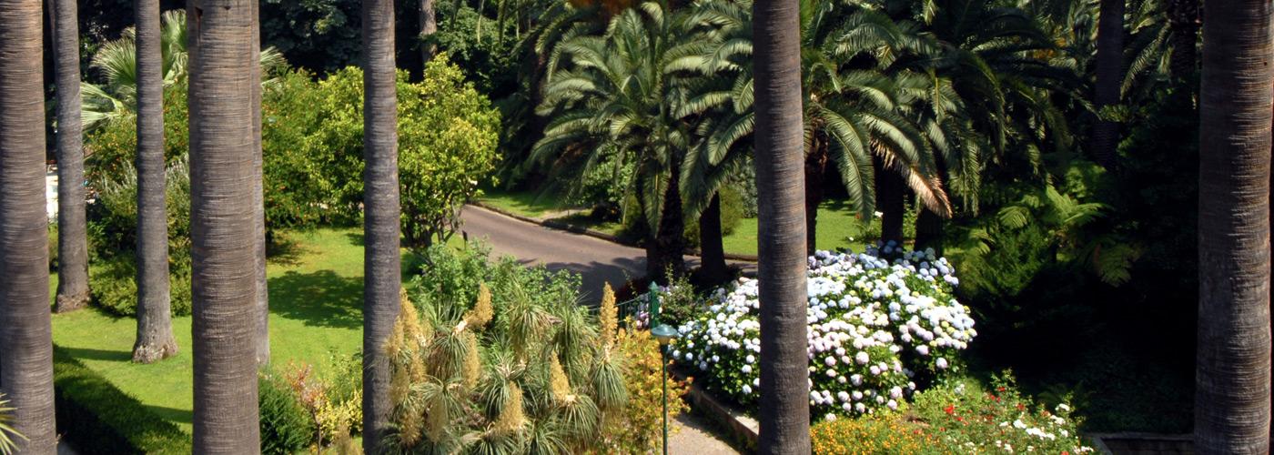 Camere con vista sul parco botanico a Sorrento.