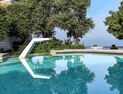 Il design hotel ospita una piscina progettata da Gio Ponti.