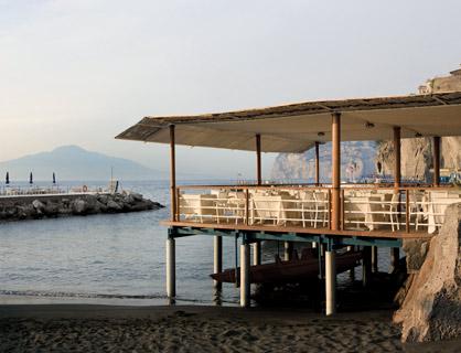 Il ristorante sul mare dell'hotel 5 stelle di Sorrento.