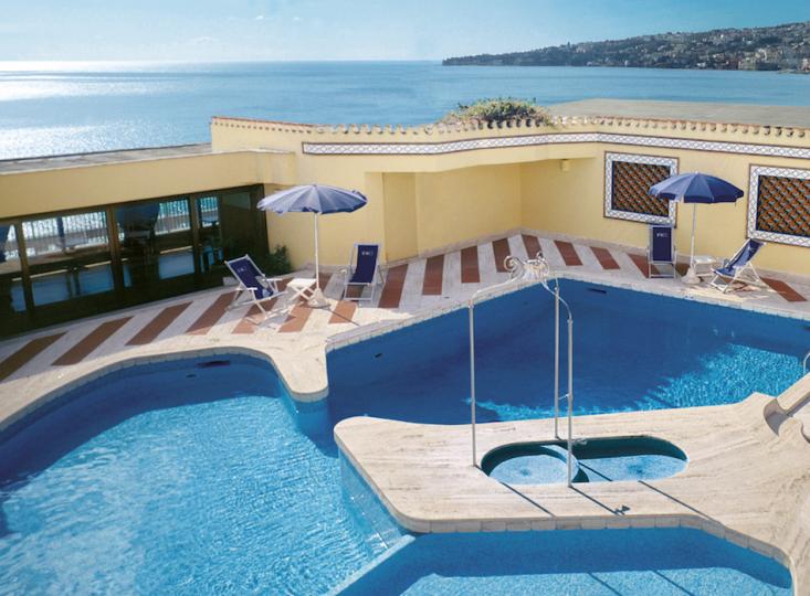 Una piscina sul tetto!
