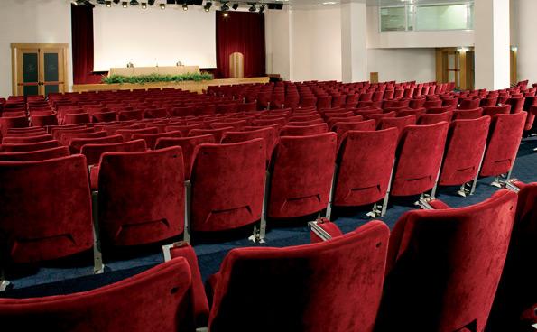Il grande auditorium del centro meeting a Napoli ospita fino a 550 persone.