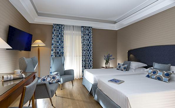 La Classic, funzionale e tranquilla camera dell'hotel panoramico a Napoli.